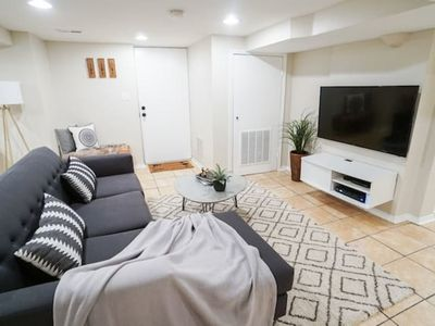 Photo for Trendy Apartment Near Wrigley | Netflix | Cubs C5