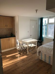 Photo for Modern 1 bed studio apartment in West Kensington - self contained