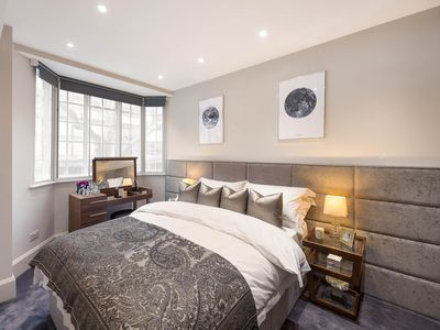 Photo for Beautiful Chelsea Apartment in Upmarket Fashion District