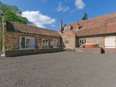 Photo for 2 bedroom accommodation in Skendleby Psalter, near Alford