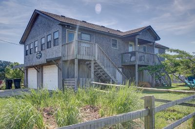 """Something Fishy is a great location & 1 level home.Welcome to """"Something Fishy""""!"""