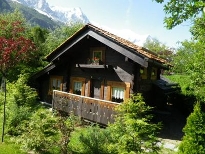 Photo for Pleasant little cottage in residential area of Chamonix