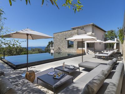 Photo for Villa 10 pers. - Near Saint-Tropez - Pool and jacuzzi - Sea view - Gigaro