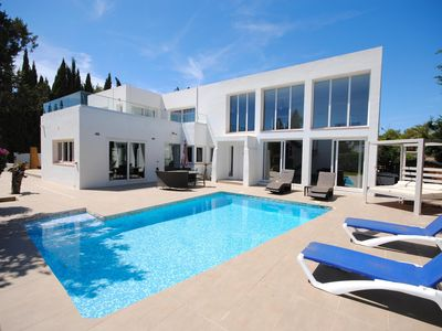 Photo for Modern Villa with Private Pool close to San Agustin & San Antonio