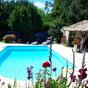 Photo for Beautifully restored Charentaise house with private pool and stunning views