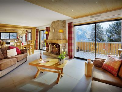 Photo for Spacious chalet for 12 with sauna, hot tub and large terrace - OVO Network