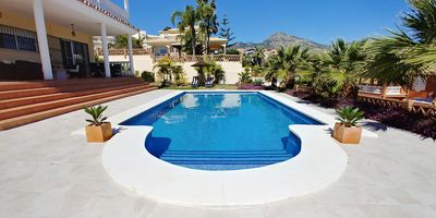 Photo for Gorgeous villa near the beach, Torrequebrada