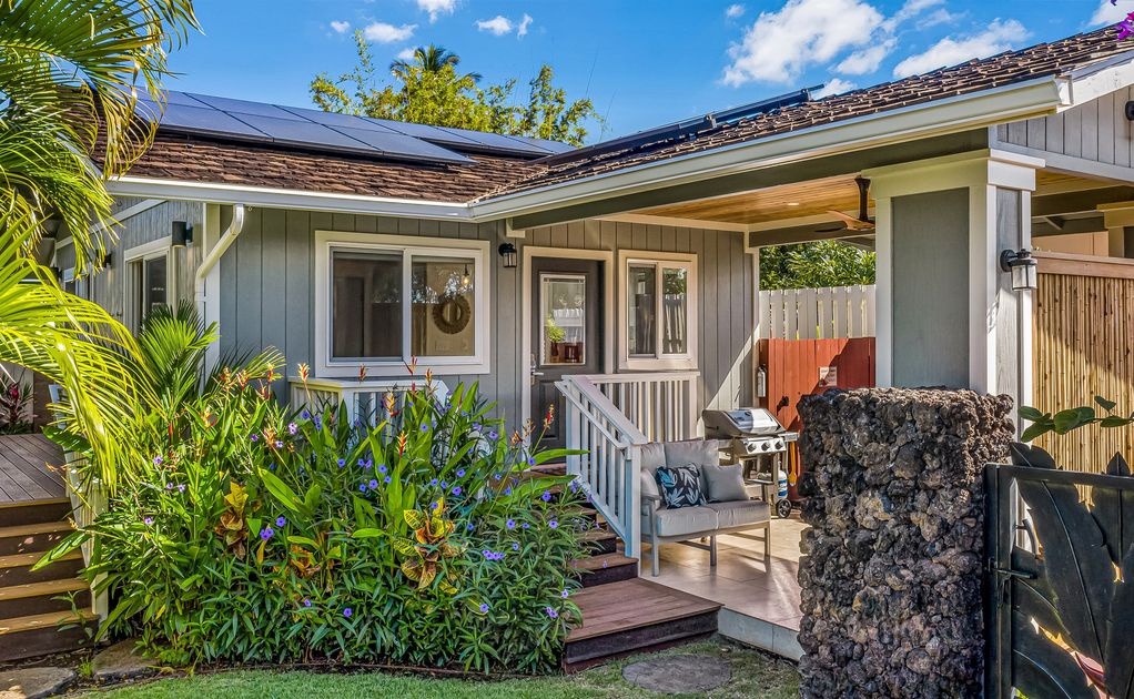 This garden cottage is an amazing place to stay in Maui
