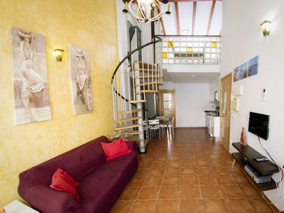 Photo for Refurbished, cosy apartment on Valencia's beach Malvarrosa