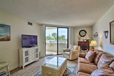 Up to 4 guests will feel at home in this well-appointed 1-bed, 1-bath condo.
