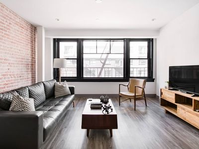 Photo for Luxurious Apartment Between Theater District and South Park
