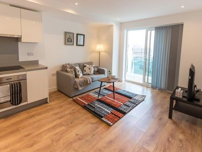 Photo for In the center of Enfield with Internet, Lift, Parking, Balcony (670319)