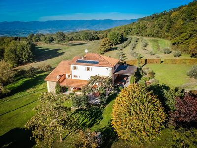 Private home set among olive orchards and grazing land