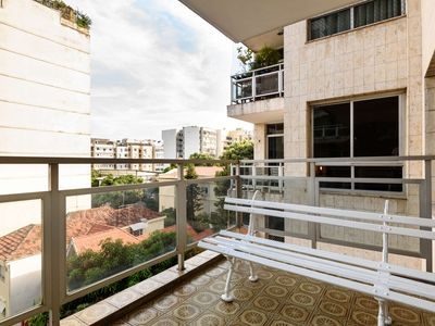Photo for CaviRio - Apartment for 8 near the subway with 2 balconies (OH)