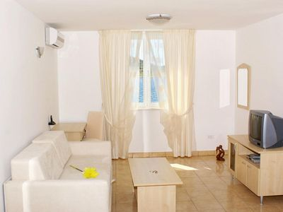 Photo for Studio flat with air-conditioning Vinjerac, Zadar (AS-3093-a)