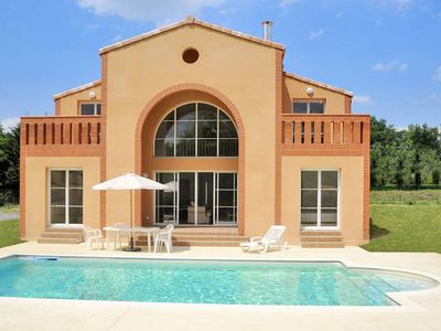 Photo for Vacation home Domaine Royal Green  in Pont de l'Arn, Languedoc - Roussillon - 8 persons, 4 bedrooms