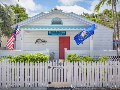 Conch Republlic Cottage - Nightly Group Rental Unit - Sleeps up to 10 off Duval