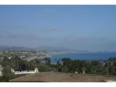 Photo for Remodeled Beachy, Short Walk To Beach & Harbor, Perfect For Long-Term Stay