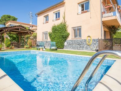 Photo for 4 bedrooms Villa with private swimming pool