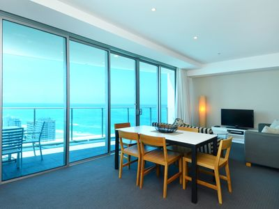 Photo for Luxury Surfers Paradise resort accommodation for families