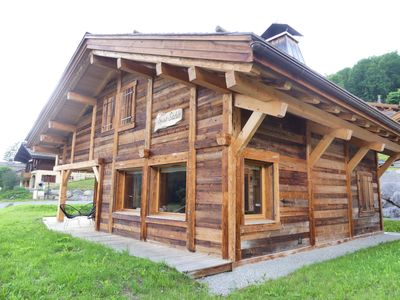Photo for Chalet Sable, charming chalet facing the mountains