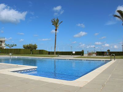 Photo for Small house with pool in Pitch & Putt l'Ampolla
