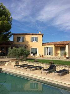 Photo for Large house in Provence with swimming pool in the heart of the wine route