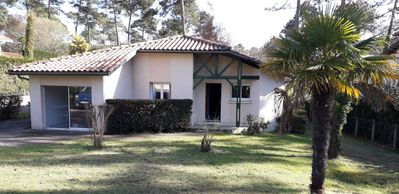 Photo for Charming villa, quiet, 5 minutes from the beaches