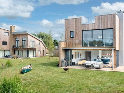 Photo for Ria Formosa (SPL8), Cotswolds - sleeps 8 guests  in 4 bedrooms