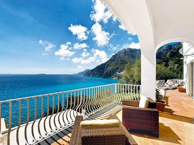 Photo for Villa Le Sirene with private Pool, Sea View, Air Conditioning and Breakfast