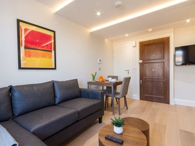Photo for Palace Gardens Apartments - Hyde Park One Bedroom