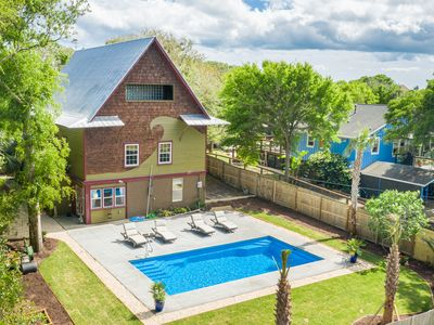 Wave House - Unique Beach House with Private Pool -  Mins to the Beach - Dog Friendly