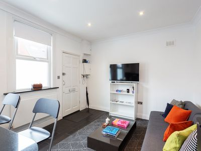 Photo for Cozy Self Contained Flat with Own Entrance. Close to High Street