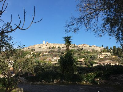 Photo for Cosy apartment  for 6 at the top of the pittoresque village 'St Paul de Vence'