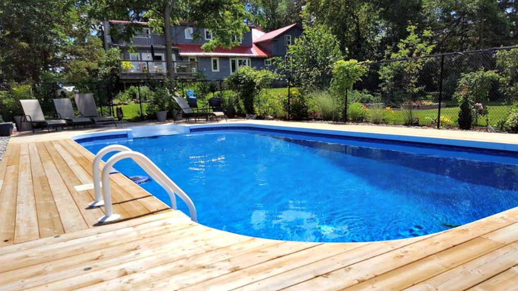Stunning Waterfront Century Home With Swimming Pool Sleeps 12 P E C Prince Edward County