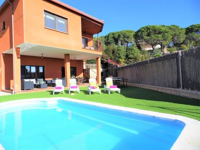 Photo for Villa with private pool, wifi, ping-png, 4 rooms, 10 px