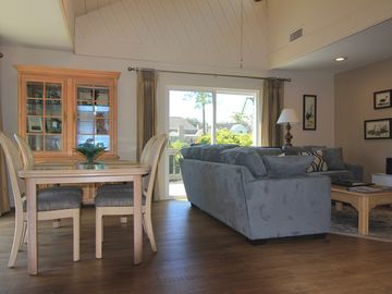 Tabby Cottage on quiet lagoon, newly renovated