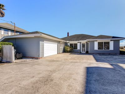 Photo for Charming 5 Bedroom/3 Bath Oceanfront beach house sitting on the beach.  Sleep 14 guests.