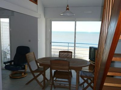 Photo for Chatelaillon bright apartment 4 people, facing the sea with pool and tennis