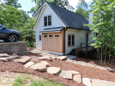 Photo for Newly Constructed Beautiful Cottage 3.5m to Historic Downtown Hendersonville
