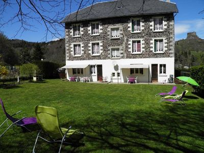 Photo for 54m² 2 bedrooms garden free wifi and views of the castle Murol