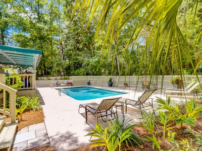 Photo for 87 Mooring Buoy-Privacy, Serene & Beautiful Pool, Quick Walk to the Beach