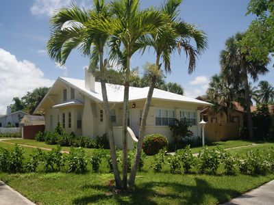 Photo for Charming property steps from Intercoastal, minutes to beach and Palm Beaches
