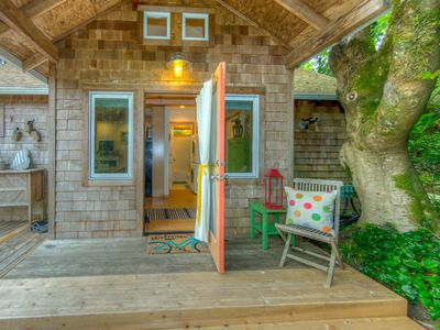 Front entrance to Lil Love Shack