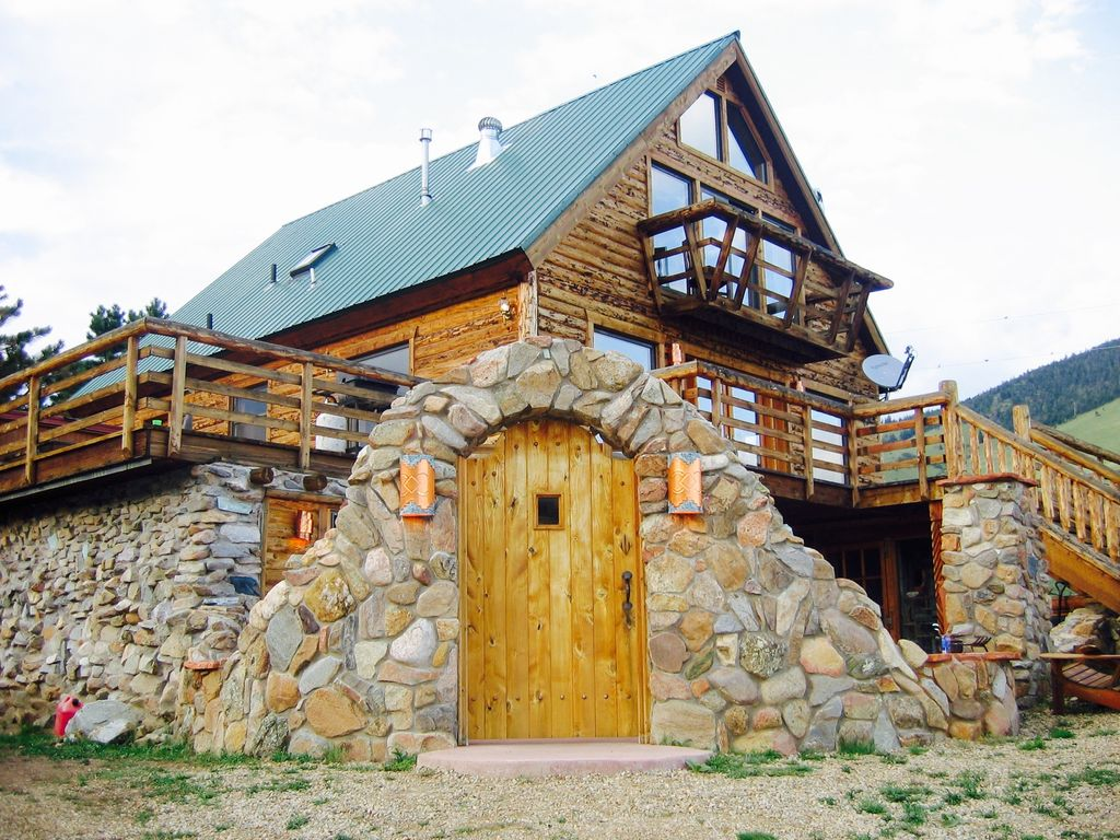 secluded cabins rooms romantic fire for states texas acres friendly angel rent on fredericksburg cabin united pet in