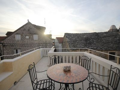 Photo for ctma137/Stone house in the center of Makarska for 6 persons, with a beautiful view