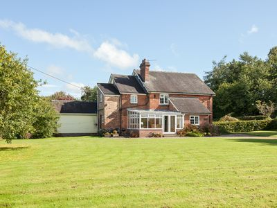 Photo for 4 bedroom accommodation in Chatcull, near Eccleshall