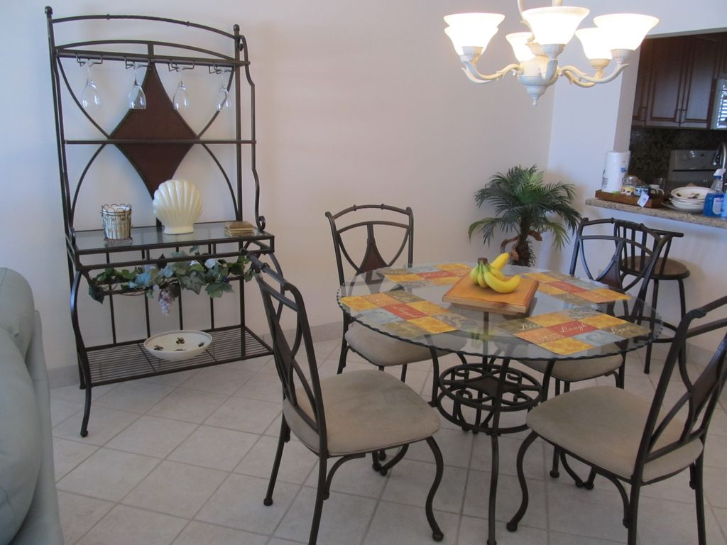 Gorgeous 5th Floor Condo - Welcome to your Vacation Getaway