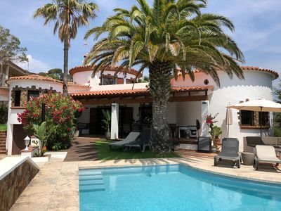 Photo for Your family holiday home in the Costa Brava, private pool, quiet area, spacious