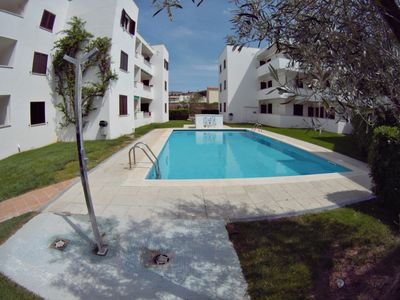 Photo for Apartment for 4/5 pax, common pool, tennis and less than 90m from the beach
